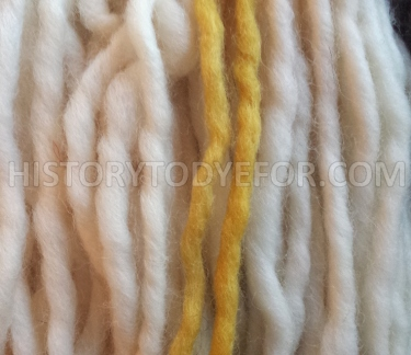 Comparison of tansye dyed and undyed wool