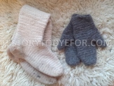 Naalbinded socks and mittens